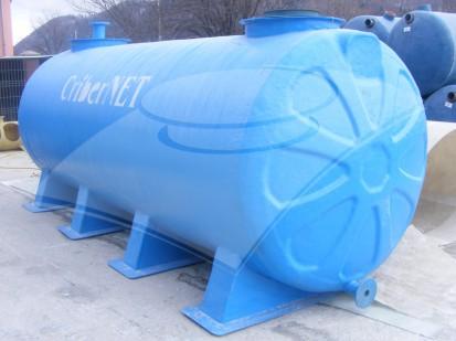 rezervor-suprateran-cu-suporti-pentru-erbicidat-8-mc Rezervoare din fibra de sticla