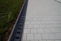 Rigole din beton compact pentru zone cu trafic pietonal