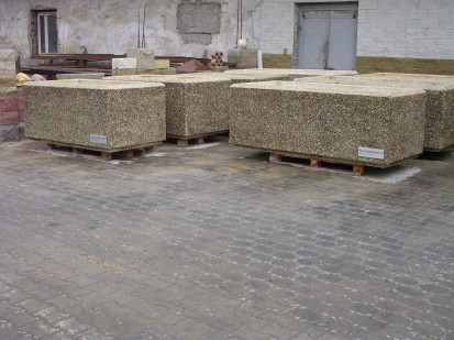 Jardiniere din beton / Jardiniere piatra spalata