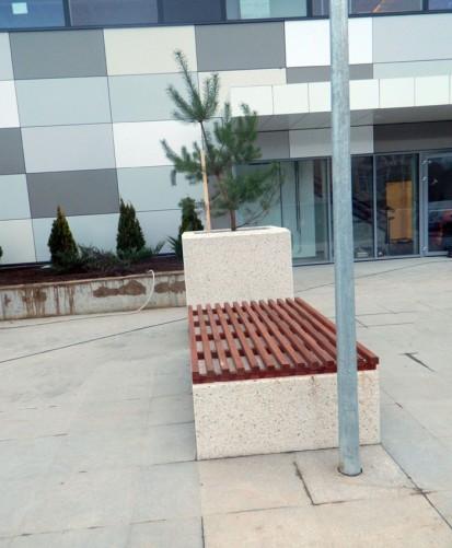Mobilier urban / Banca din beton