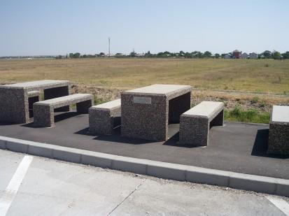 Mobilier urban / Banci si mese din beton