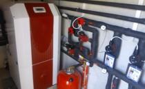 Pompe de caldura Pompele de caldura Sol-Apa DIMPLEX extrag caldura din energia solara stocata in pamant sau din caldura reziduala. Fiind cele mai sigure din punct de vedere al exploatari indelungate