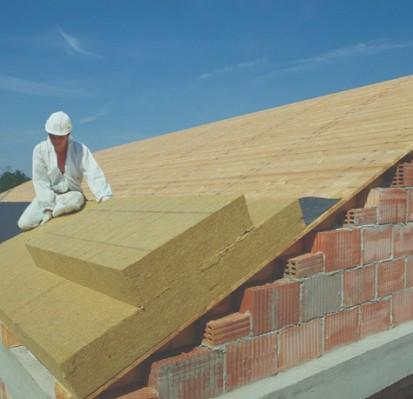 Montare placa vata bazaltica - acoperis inclinat MONROCK MAX E Placi rigide de vata bazaltica