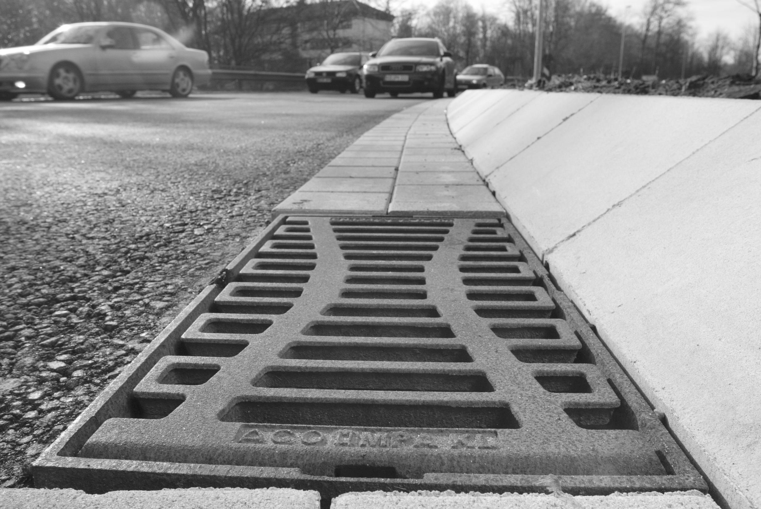Guri de scurgere stradale  ACO - Poza 2