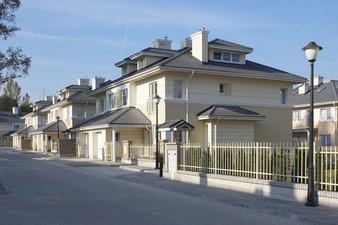 Complex de locuinte unifamiliale Varsovia, Polonia RUUKKI - Poza 3