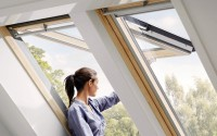 Ferestre de mansarda Grupul VELUX produce ferestre de mansarda de calitate superioara de peste 70 de ani. Acestea va ajuta sa va bucurati de multa lumina naturala, aer proaspat si privelisti minunate.