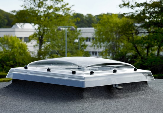 Ferestre pentru acoperis terasa cu pante cuprinse intre 0 si 15 grade VELUX
