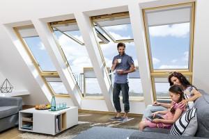 Ferestre de mansarda, ferestre de acces pe acoperis Ferestrele de mansarda FAKRO sunt produse de TOP, fabricate din materie prima de calitate. Se monteaza pe acoperisuri la constructiile noi si la mansardarea cladirilor vechi.