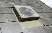 Tunele de lumina Tunelele de lumina fac posibila patrunderea luminii naturale in incaperi ce nu pot fi prevazute cu niciun tip de ferestre.
