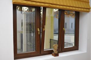 Ferestre pentru case pasive Noul sistem GEALAN FUTURA imbina cele mai performante tehnologii, construind profile pentru case pasive si in varianta colorata.