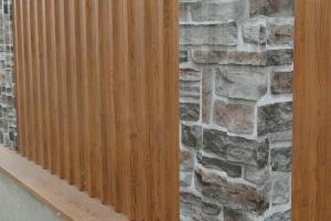 Garduri metalice cu aspect de lemn sau piatra TPS va ofera garduri metalice cu tabla ce imita perfect lemnul si piatra rezista mai mult in timp, indiferent de conditiile atmosferice.