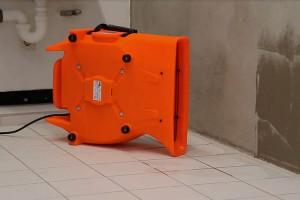 Ventilatoare pentru aplicatii multiple Avand o tehnologie eficienta de circulare a aerului, ventilatoarele Heylo reusesc sa usuce intr-un timp foarte scurt peretii, tavanele, sapele sau uscarea rapida si ventilarea spatiilor mari.