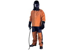 Echipamente de protectie pentru sudori Most va ofera o gama variata de echipamente de protectie pentru sudori: bocanci, costum neinflamabil, costum din piele, masti de sudura si ochelari de sudura.