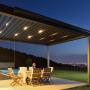 Pergola PGT Sky Roof - exemplu de utilizare, seara