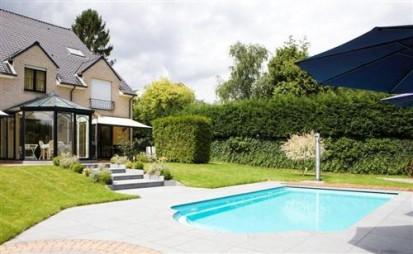 Casa cu piscina in curte GOLF Piscina rezidentiala din fibra de sticla