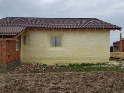 Termoizolatii cu spuma poliuretanica - perete exterior Termoizolatii cu spuma poliuretanica