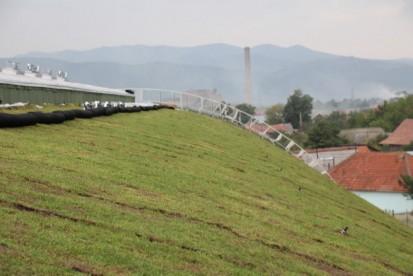 Centrul de Agrement Trotus cu acoperis verde ultrausor 5 Acoperis verde extensiv ultrausor Centrul de Agrement