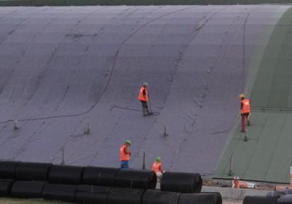 Centrul de Agrement Trotus cu acoperis verde ultrausor 10 Acoperis verde extensiv ultrausor Centrul de Agrement