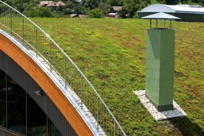 Centrul de Agrement Trotus cu acoperis verde ultrausor 21 Acoperis verde extensiv ultrausor Centrul de Agrement