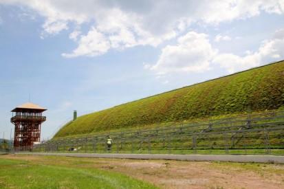 Centrul de Agrement Trotus cu acoperis verde ultrausor 24 Acoperis verde extensiv ultrausor Centrul de Agrement