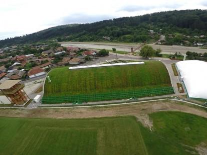 Centrul de Agrement Trotus cu acoperis verde ultrausor 28 Acoperis verde extensiv ultrausor Centrul de Agrement