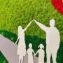 Familia si casa - colaj cu muschi stabilizati