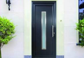 Usi rezidentiale si comerciale pentru exterior Usile de exterior Teraglass sunt confectionate din profile PVC cu 4, 6 si 7 camere si latimi constructive cuprinse intre 60 si 88 mm.