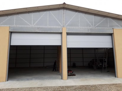 Usa de garaj industriala - deschisa Usi de garaj industriale