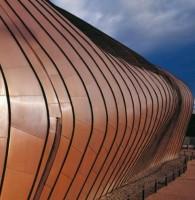 Tablă plană pentru acoperișuri și fațade Tabla din cupru pentru acoperișuri fălțuite furnizată de GEOROOF are o puritate de 99,9% Cupru.
