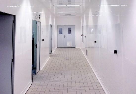 Placi antibacteriene pentru pereti si tavane din sectorul alimentar, medical si farmaceutic MEDCLYN