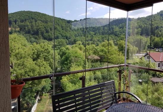 Sisteme glisante din sticla pentru terase, balcoane, compartimentari interioare CAPITAL NATIONAL CONSTRUCT
