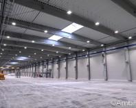 Corpuri de iluminat industrial pentru depozite, fabrici, alei