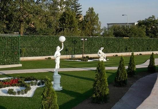 Pereti verzi cu plante artificiale pentru amenajari interioare si exterioare Vesnic Verde