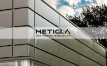 Casete metalice pentru fatade Solutiile de invelitori metalice METIGLA sunt concepute astfel incat sa imbine partea funtionala cu partea estetica de care are nevoie o constructie.