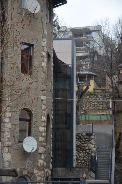 Cladirea in care a fost instalat ascensorul panoramic panoramic Elmas Ascensor panoramic cladire rezidentiala Brasov