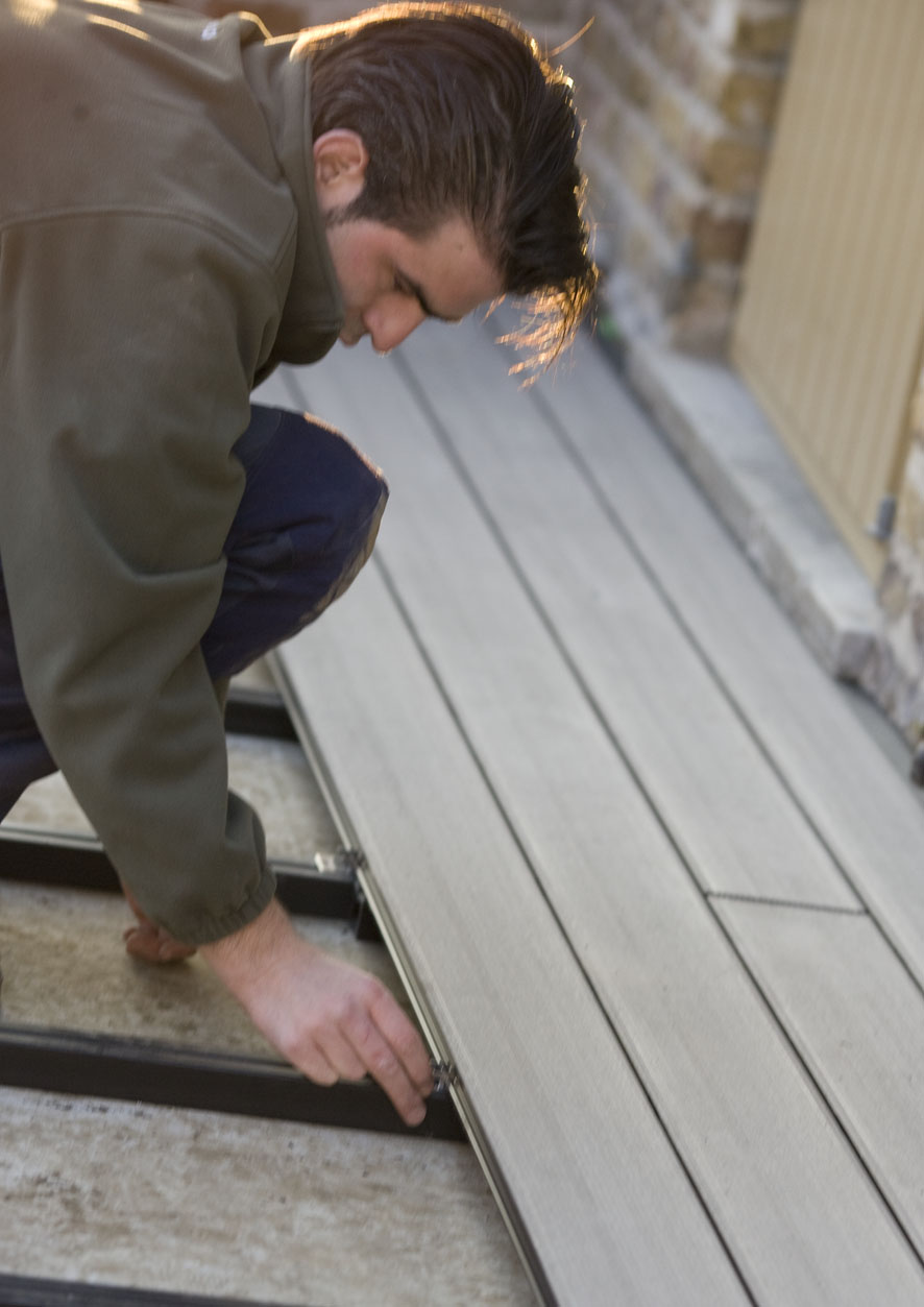 Montaj pardoseli cu deck-uri din material compozit lemn cu PVC DECEUNINCK - Poza 25