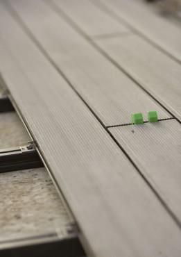Montaj pardoseli cu deck-uri din material compozit lemn cu PVC DECEUNINCK - Poza 26