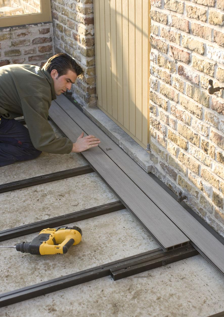 Montaj pardoseli cu deck-uri din material compozit lemn cu PVC DECEUNINCK - Poza 22