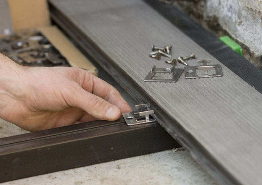 Montaj pardoseli cu deck-uri din material compozit lemn cu PVC DECEUNINCK - Poza 19