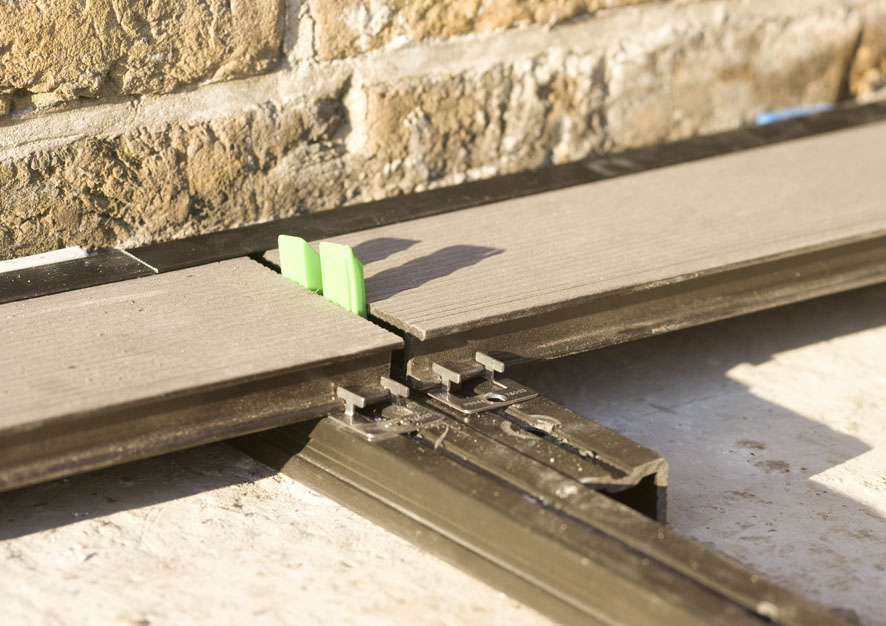 Montaj pardoseli cu deck-uri din material compozit lemn cu PVC DECEUNINCK - Poza 20