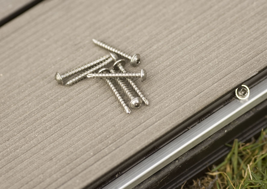 Montaj pardoseli cu deck-uri din material compozit lemn cu PVC DECEUNINCK - Poza 28