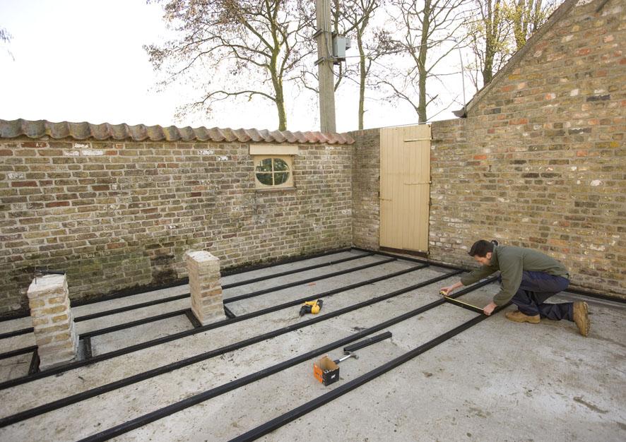 Montaj pardoseli cu deck-uri din material compozit lemn cu PVC DECEUNINCK - Poza 8