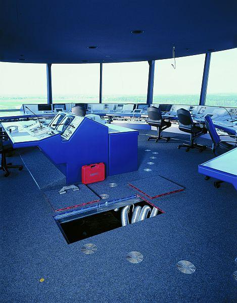 Pardoseli tehnice suprainaltate - Aeroport Nuremberg MERO - Poza 1
