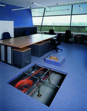 Pardoseli tehnice suprainaltate - Aeroport Nuremberg MERO - Poza 5