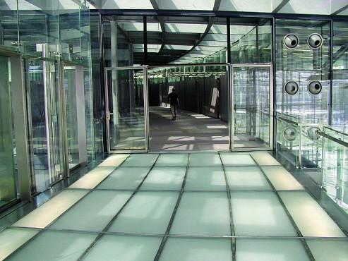 Pardoseli tehnice suprainaltate - Headquarter of Bayer Leverkusen Chicago IL - USA MERO - Poza 10