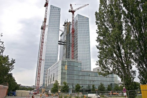 Pardoseli tehnice suprainaltate - Highlight Towers Munich - Germania