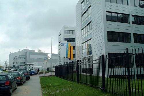 Pardoseli tehnice suprainaltate - SAP St. Leon-Rot - Germania MERO - Poza 3