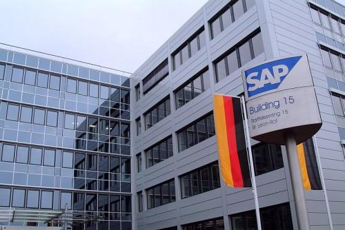 Pardoseli tehnice suprainaltate - SAP St. Leon-Rot - Germania MERO - Poza 7