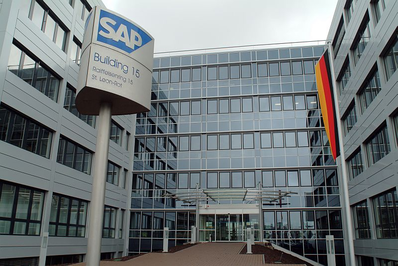 Pardoseli tehnice suprainaltate - SAP St. Leon-Rot - Germania MERO - Poza 5