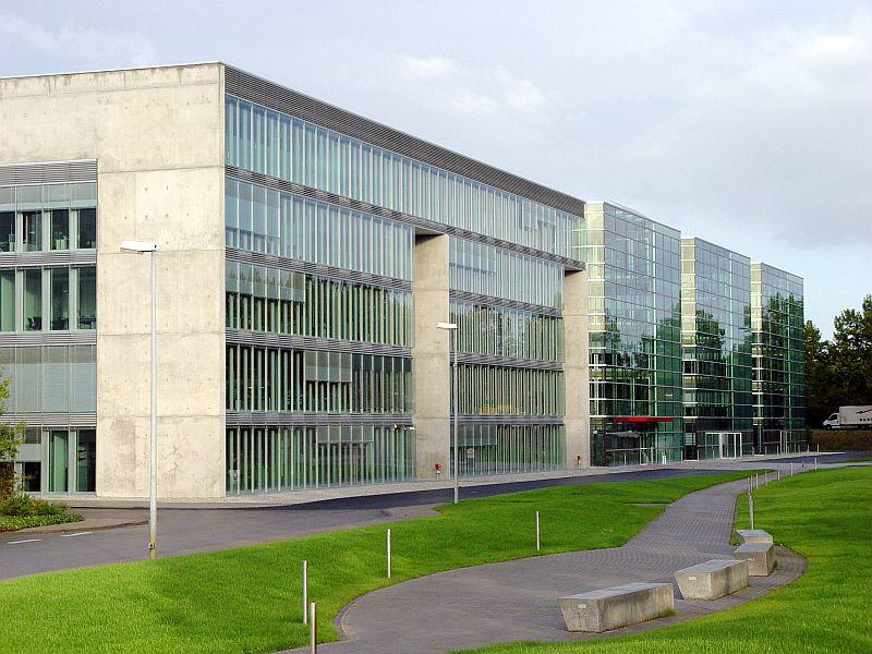 Pardoseli tehnice suprainaltate - SEW Bruchsal - Germania MERO - Poza 1